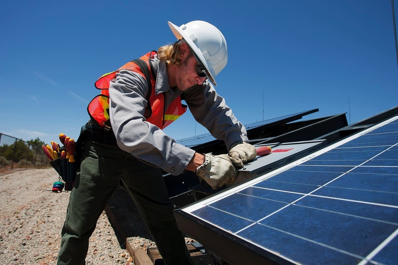 Using Your Cellphone to Combat Heat Illness in Outdoor Workers
